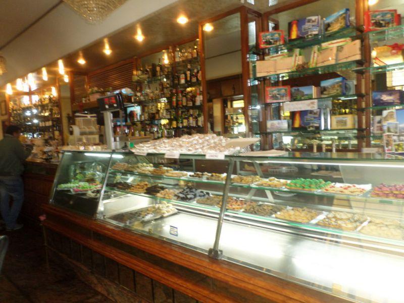 bar-gastronomia-pasticceria/v. D.Degli Abruzzi