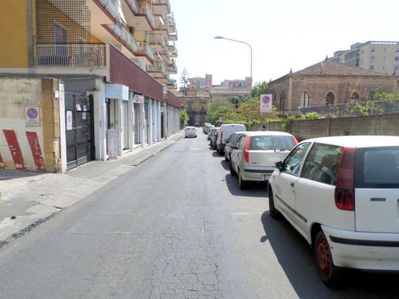 Bottega mq.51 + soppalco, via P.Bentivoglio/v.Etnea