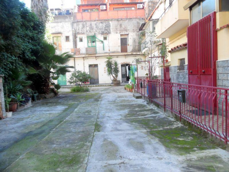 monovano arredato e ristrutturato via Malta/Viale V. Veneto